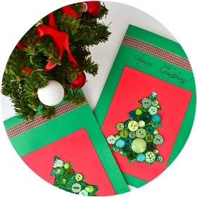 Button Christmas Cards with Toddlers: kids of different ages can participate in making this Christmas craft