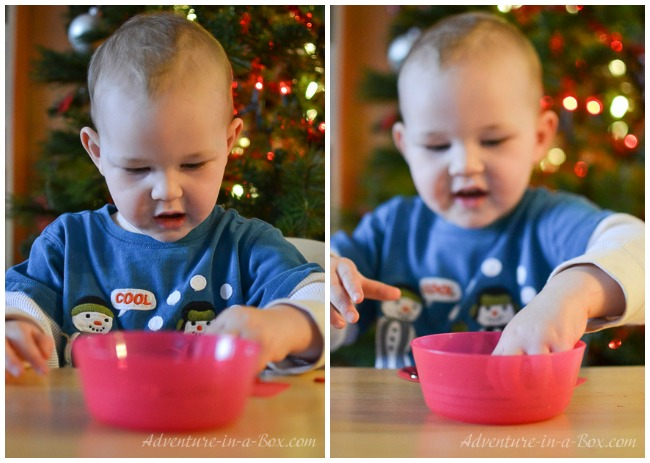Mitten: quick and simple button craft for toddlers that can be turned into a Christmas ornament