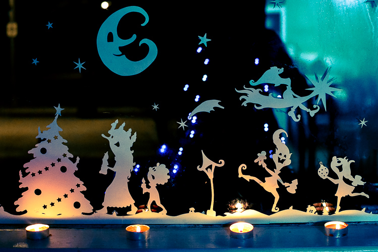 silhouette-advent-calendar-for-children-cut-and-colour-pages-2