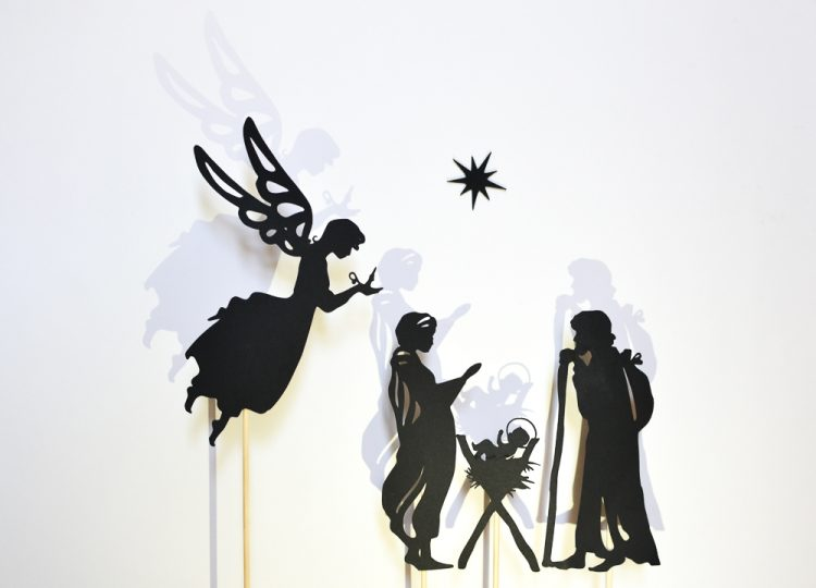 Nativity Scene Shadow Puppets Set: Begin a new tradition this Christmas. Stage a shadow puppet play with kids! Printable puppets.